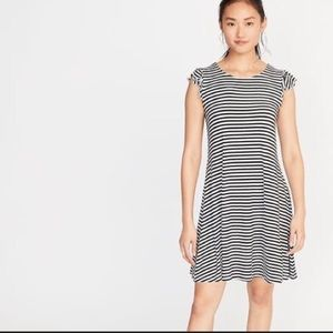 Old Navy shift dress with flutter sleeves